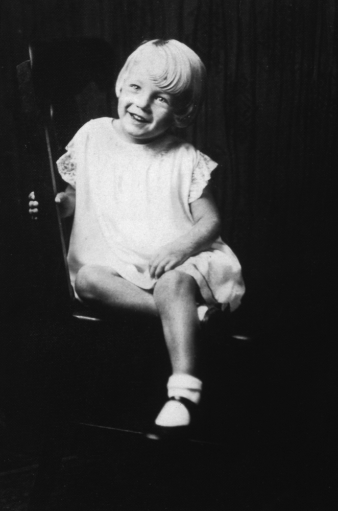 Young Marilyn Monroe Photo: Norma Jeane Baker Was Totally Adorable At Five Years Old (PHOTOS) | HuffPost