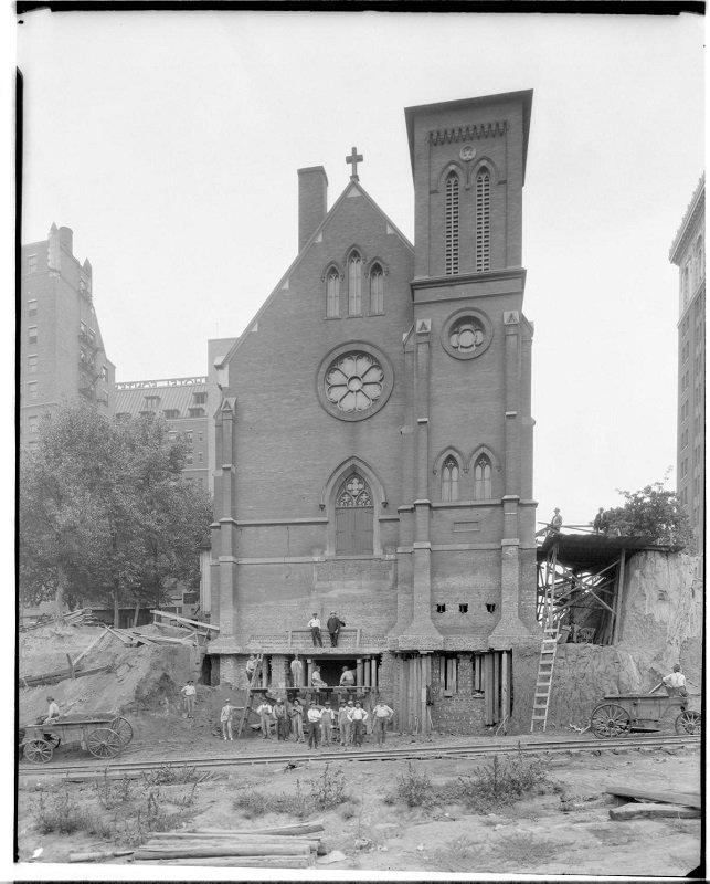 Omaha's St. Mary Magdalene Church_8.jpg