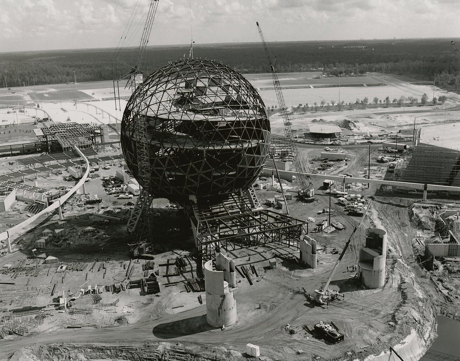 EPCOT Center was constructed for an estimated $800 million to $1.4 ...