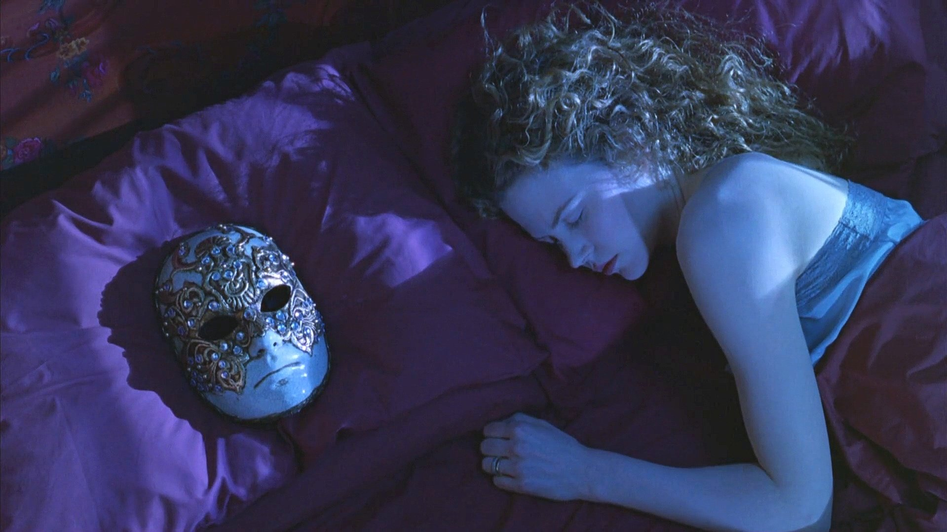 1.+EWS+Mask+on+Pillow+&+Alice+[Edited]
