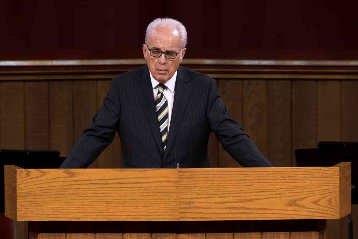 John MacArthur's Grace Community Church announces it will not obey ...