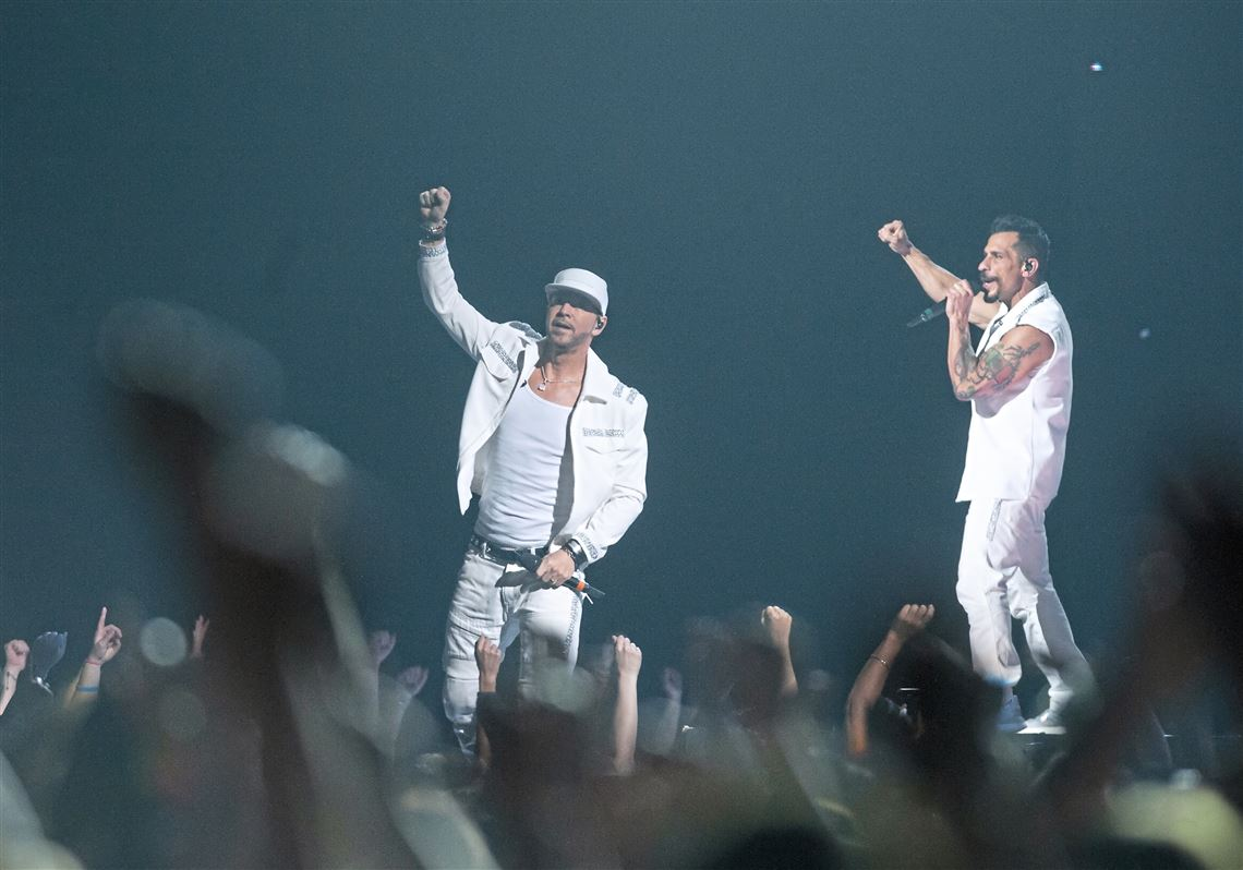 NKOTB woo fans with crowd-pleasing performance on Mixtape Tour | Pittsburgh Post-Gazette