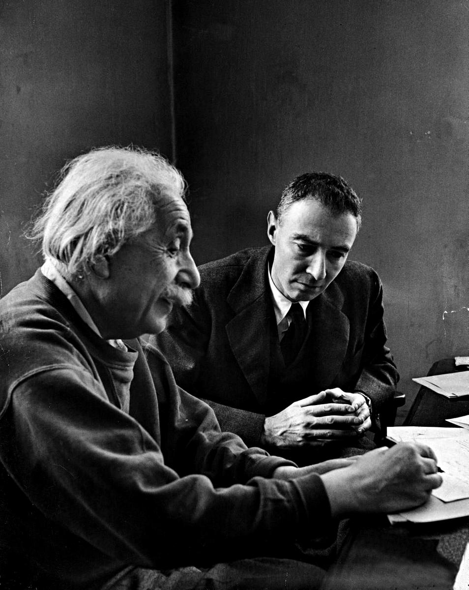 """Sardonicus on Twitter: """"Robert Oppenheimer and Albert Einstein, Alfred  Eisenstaedt, 1947… """""""