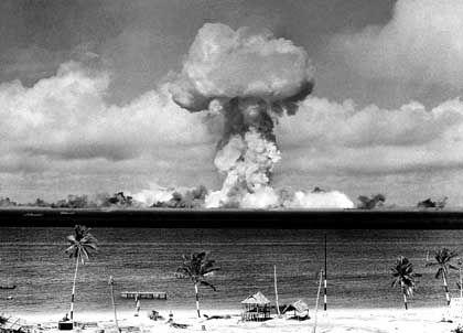 Bikini-Atoll: Das Paradies, in das die Bombe fiel - DER SPIEGEL