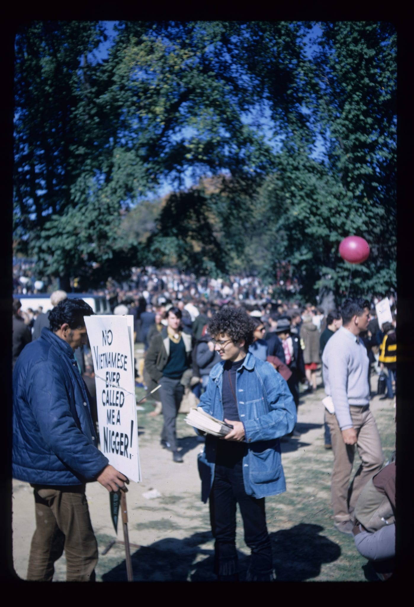 Incredible Photos of 1967 March on Pentagon Against the Vietnam War - Ghosts of DC