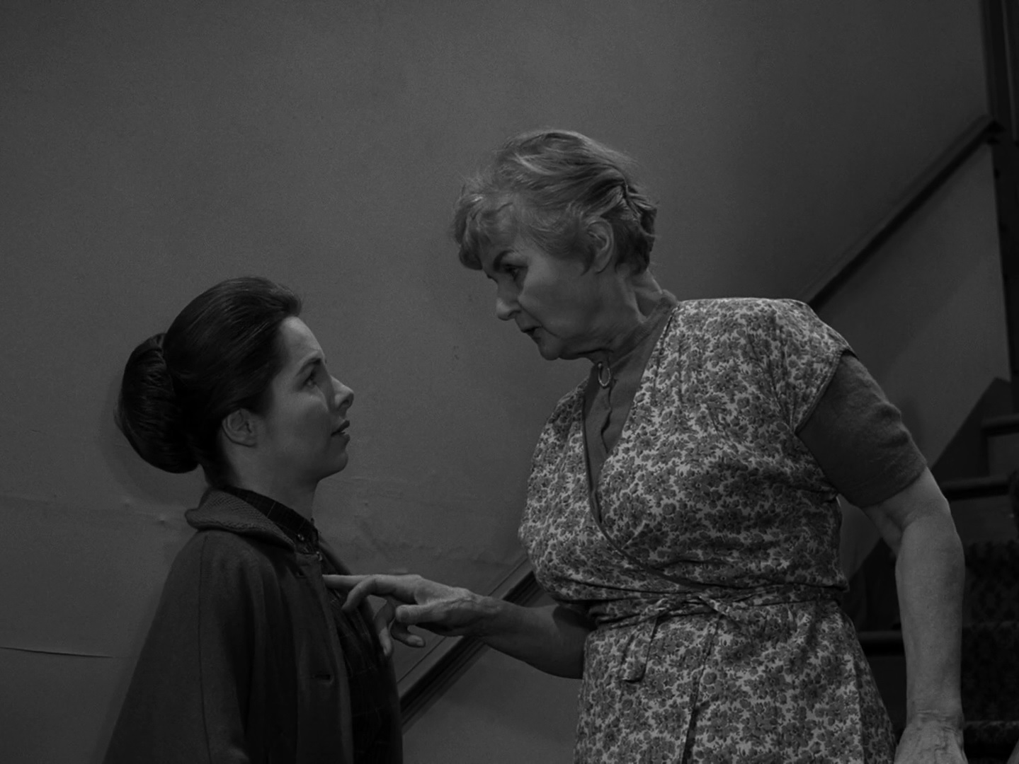 The Twilight Zone Episode 94: Four O'Clock - Midnite Reviews