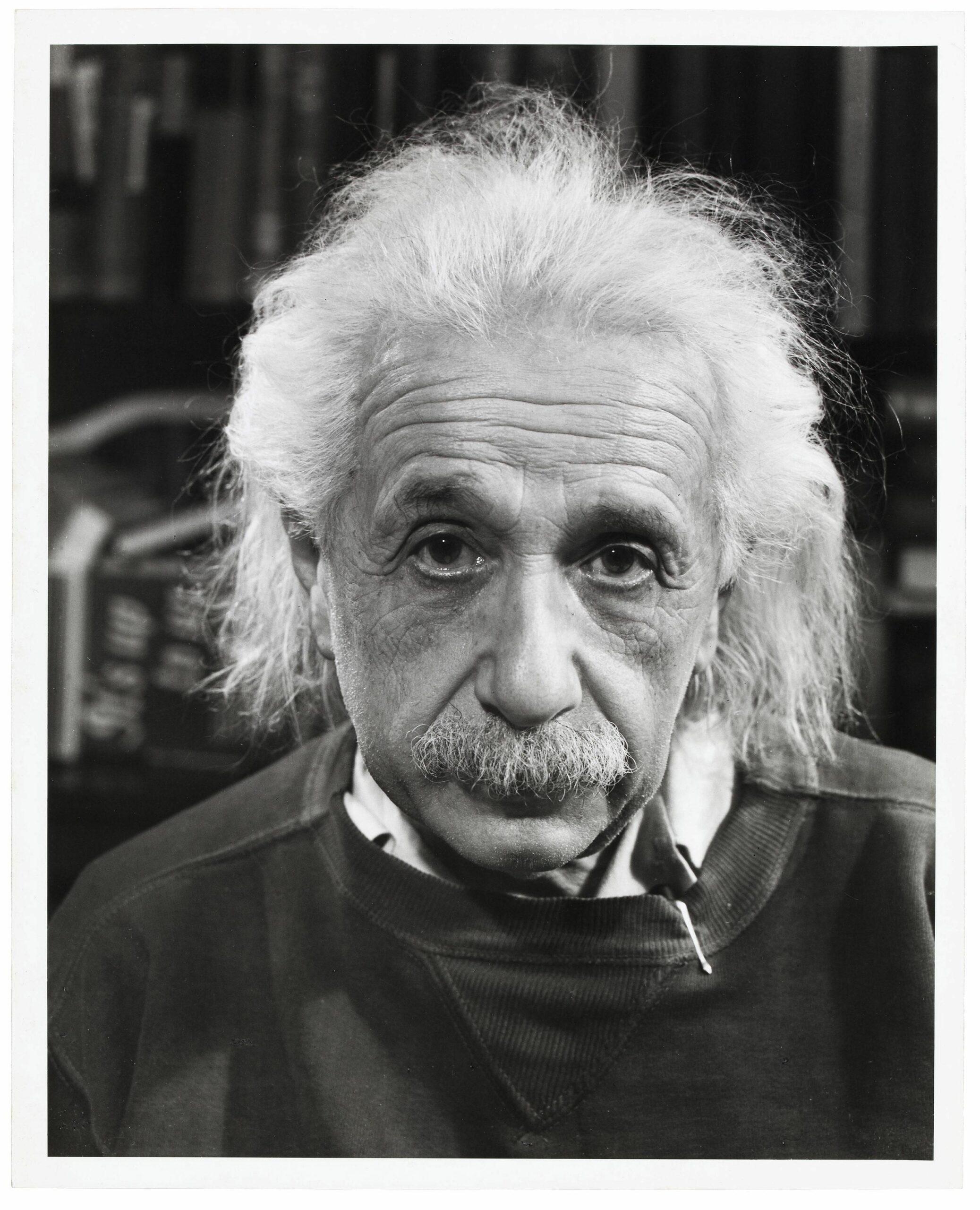 Albert Einstein, 1947 | Albert einstein photo, Portrait, Albert einstein