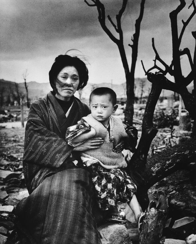 Legendary Life magazine photographer Alfred Eisenstaedt - CBS News
