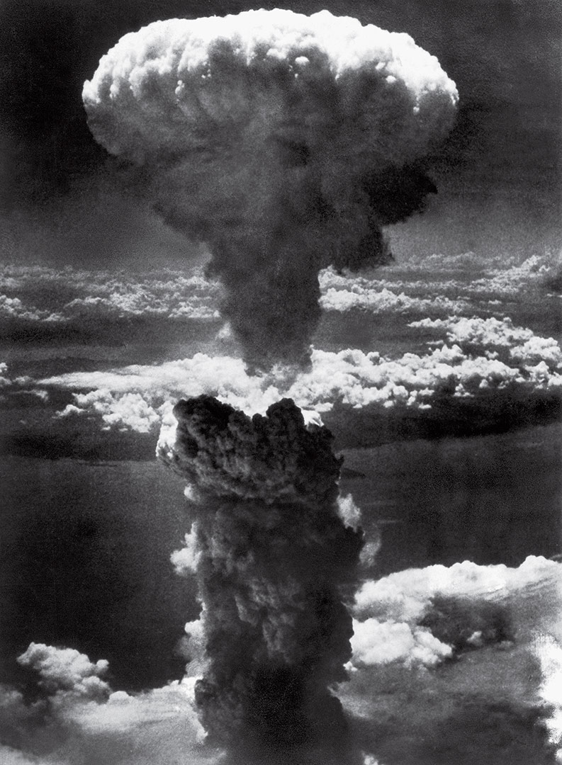 Mushroom Cloud Over Nagasaki | 100 Photographs | The Most Influential Images of All Time